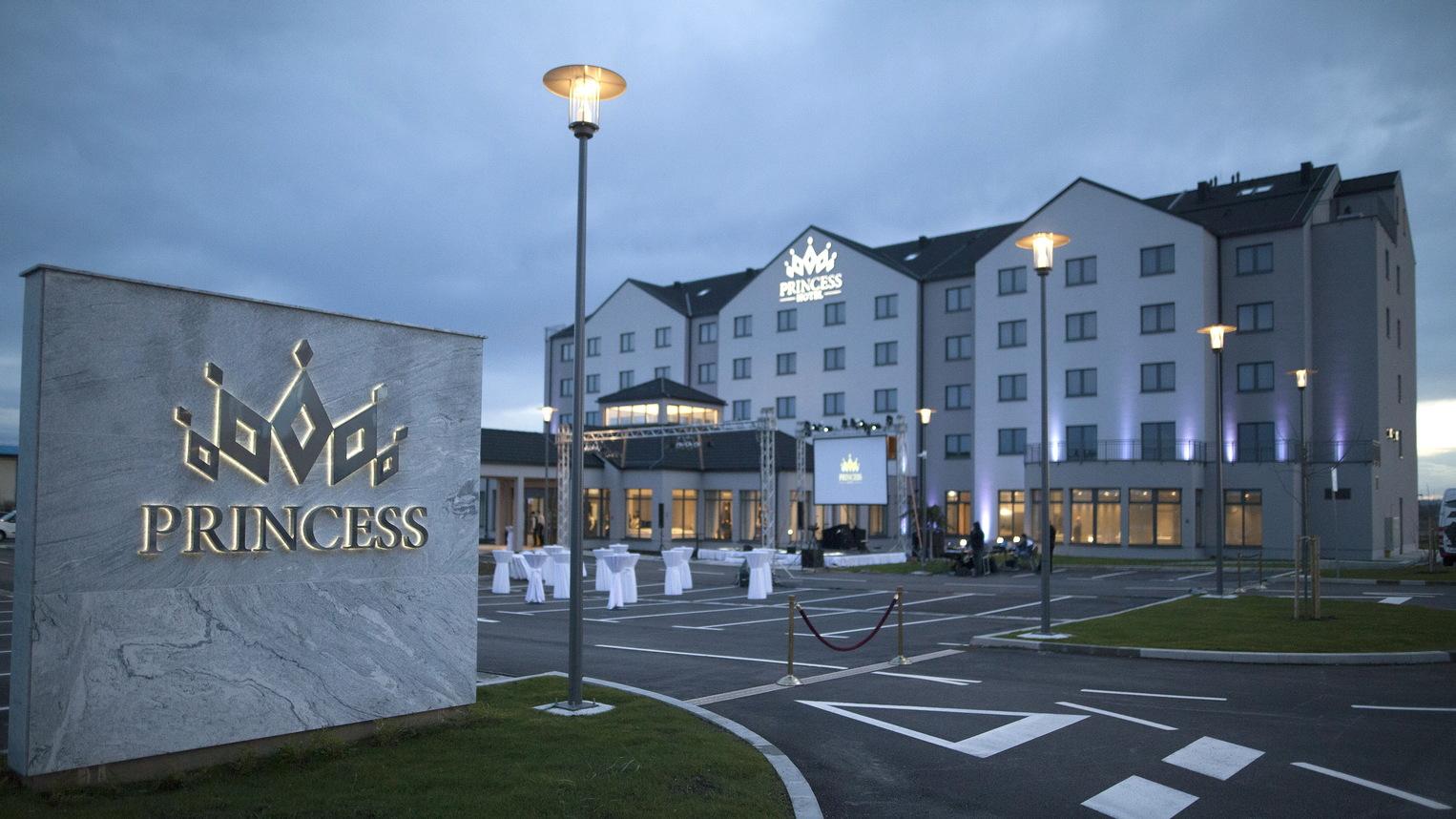 Otvorenje hotela Princess